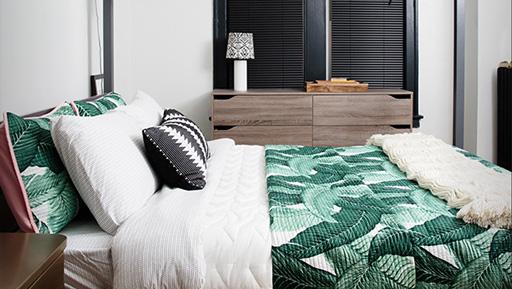 5200Sheridanbedroom